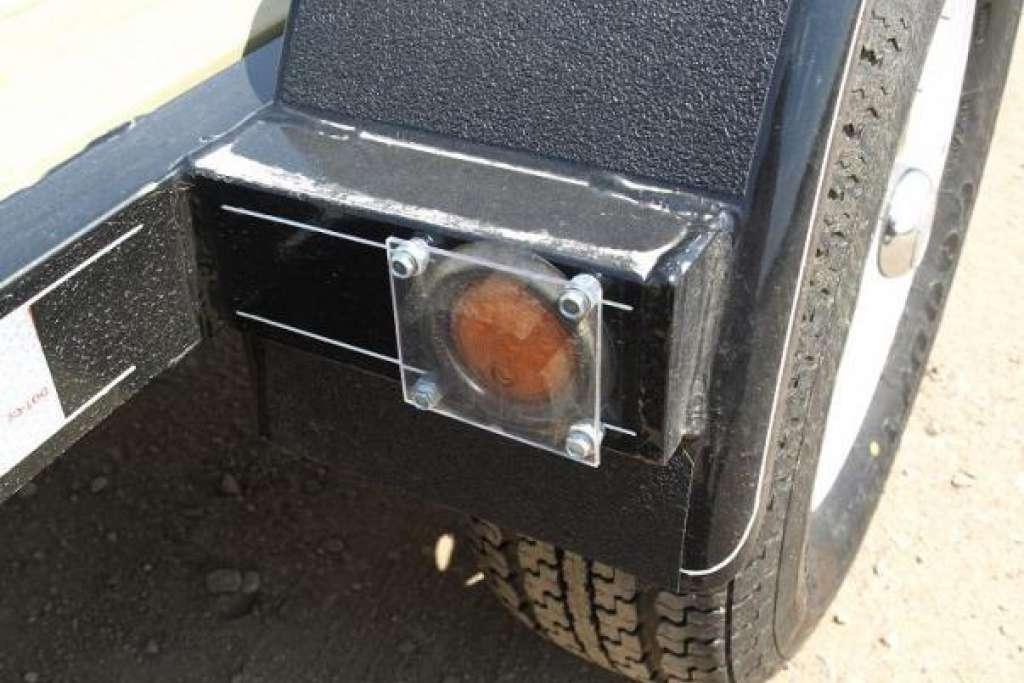 ... Trailtech Premier Utility Tilt Trailer Light Rock Guard ...